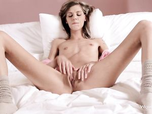 Tall Teen Chick Opens Her Long Legs To Masturbate