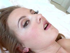 Sexy Dick Swallowing Teen Takes A Hot Facial