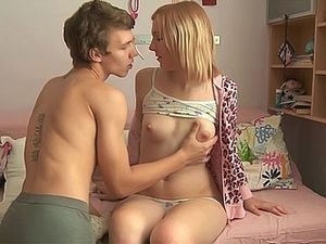 Blonde Teen Fucking With Her Boyfriend
